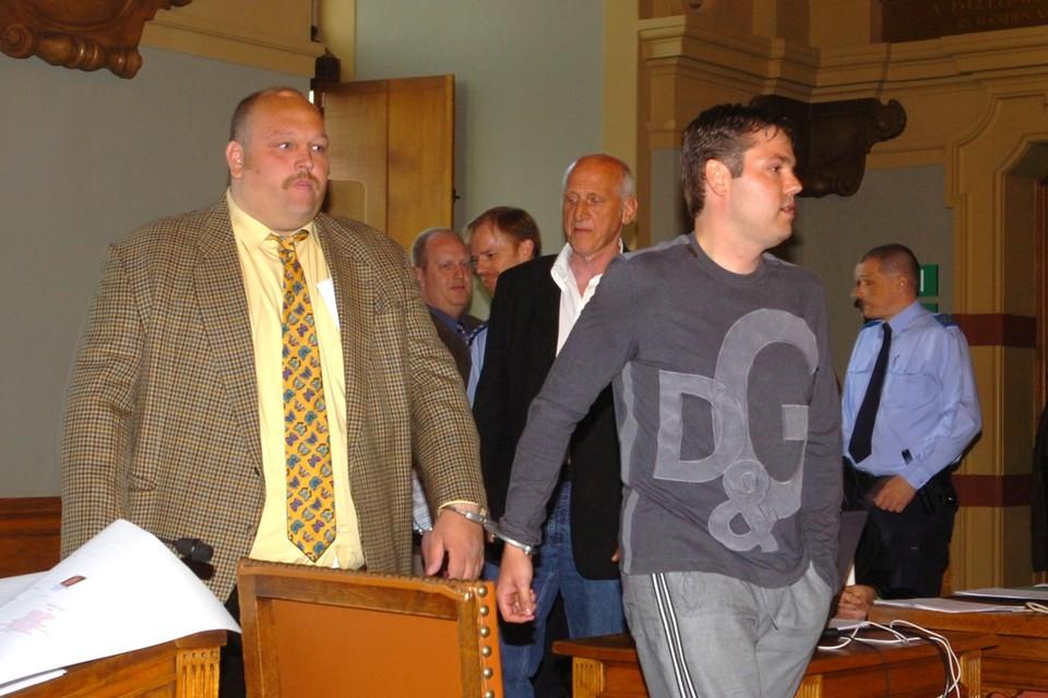 Johannes 'Jack' Romijn, alias Barbapapa (links), zorgde tijdens het proces voor de nodige hilariteit. Zo daagde hij op de eerste procesdag op met een fleurige das.