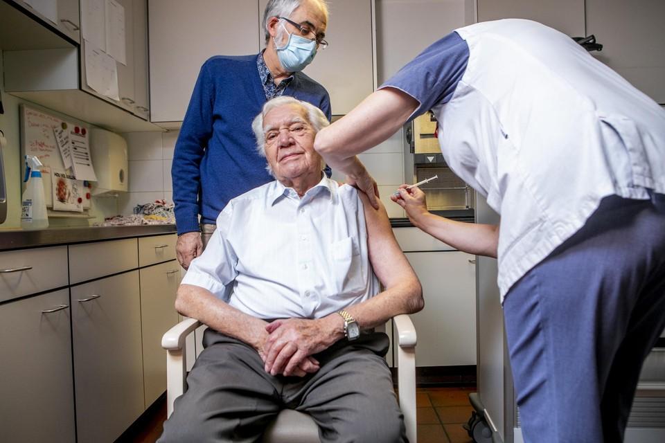 Archiefbeeld: tien dagen geleden werden de bewoners gevaccineerd in Kessel.