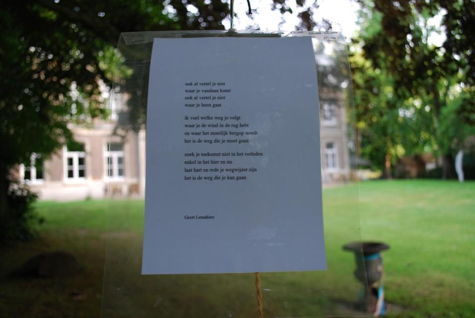 'De gedichtenboom' van Geert Lemahieu.