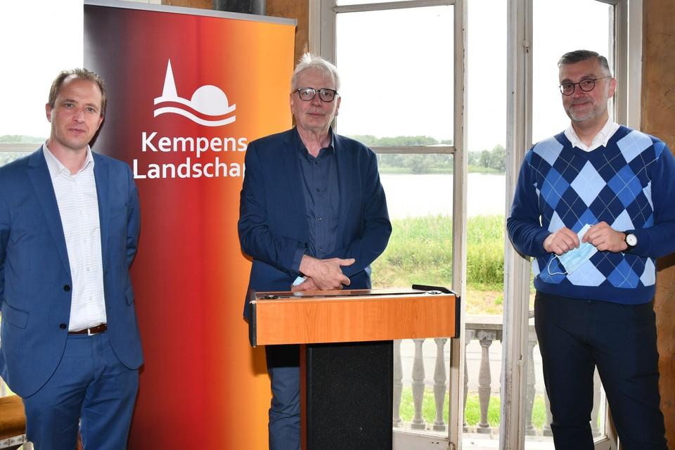 Burgemeester Kristof Joos, gedeputeerde Jan De Haes en Peter De Wilde, ceo van Toerisme Vlaanderen.