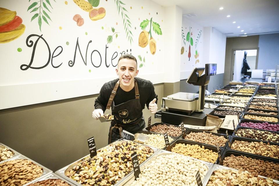 """Younes: """"De mensen gaan steeds meer noten eten."""""""