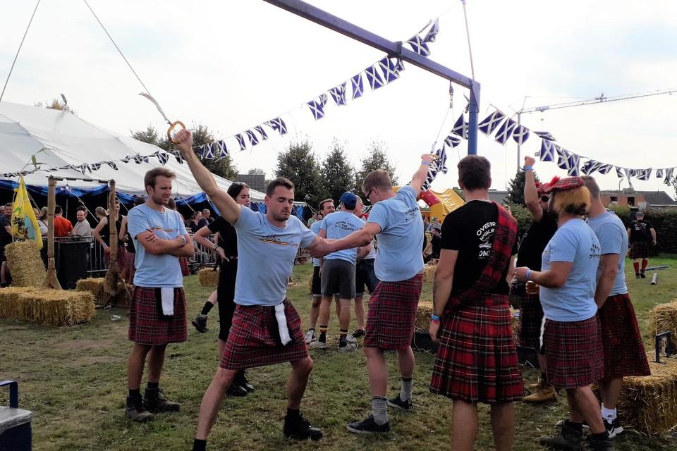 Uithoudingsproef op de Highlandgames.