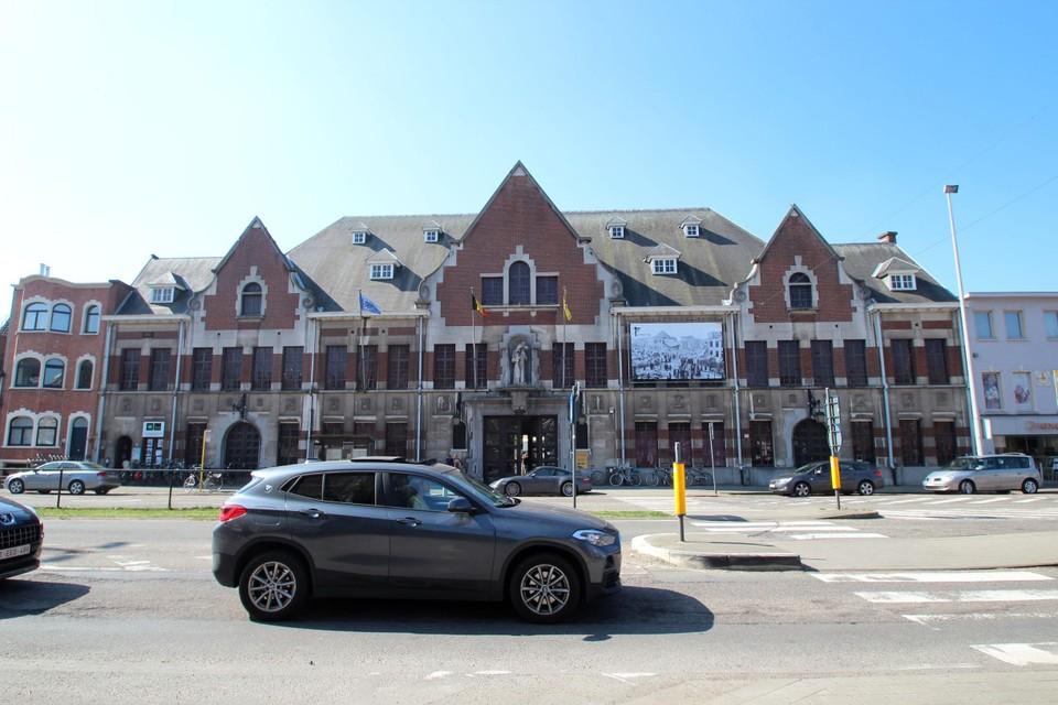 Karaktervolle appartementen en publieke ruimten komen in de Sint-Lutgardisschool.