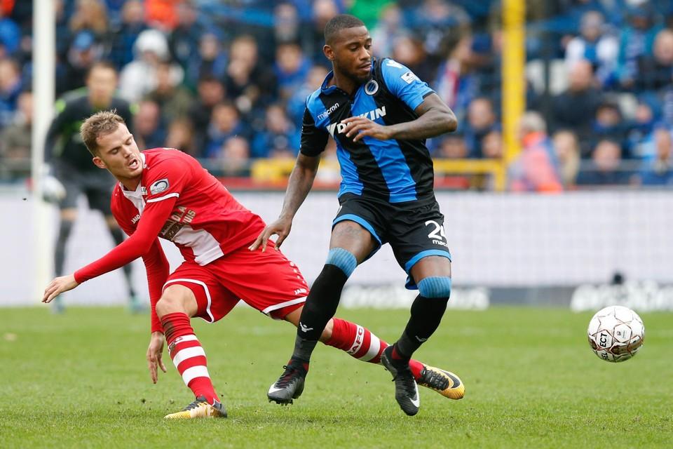 Stefano Denswil in zijn vorige periode bij Club Brugge, hier tegen Geoffry Hairemans (toen nog bij Antwerp).