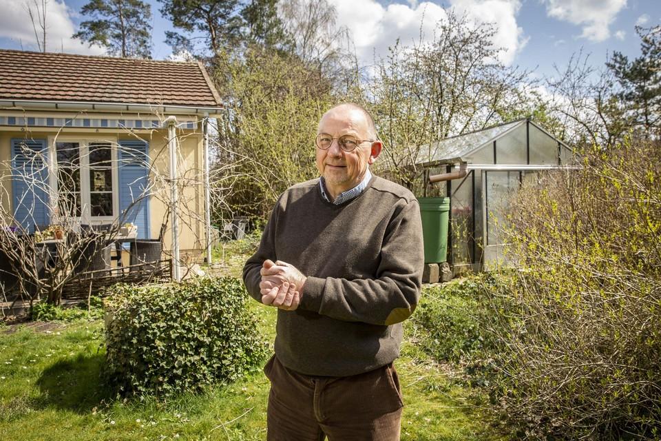 """Michel Follet: """"Ik woon in het groen en de rust in Poederlee, in het gezelschap van vogels en poezen. Dat is mijn veilige cocon."""""""
