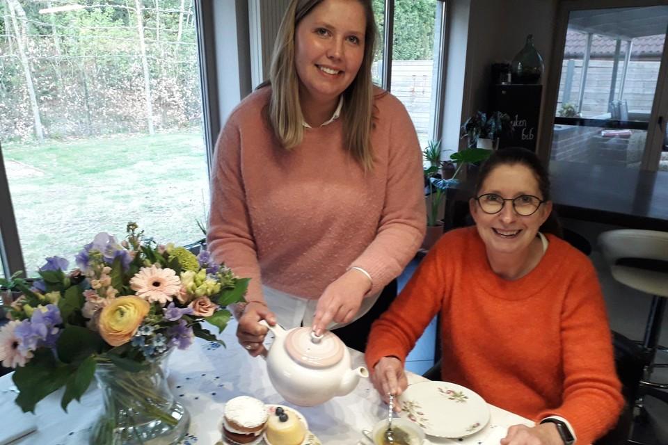 Imke Meesters en Hilde De Prins verwennen iedereen met hun Afternoon Tea: aan huis geleverd!
