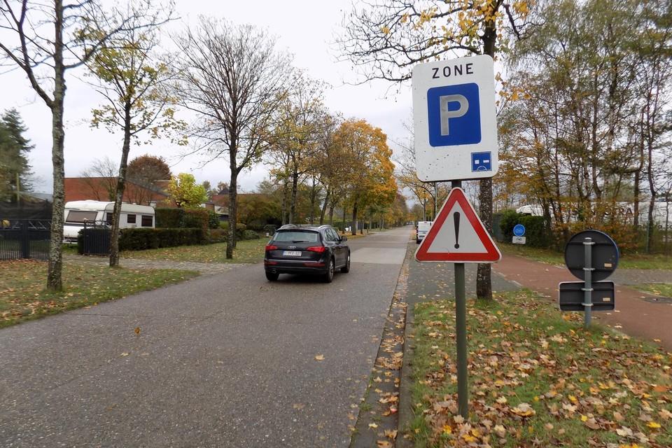 De blauwe zone in de Kempenlaan, Vossenlaan en Zuidstraat in Beerse wordt opgeheven en vervangen door een parkeerverbod.