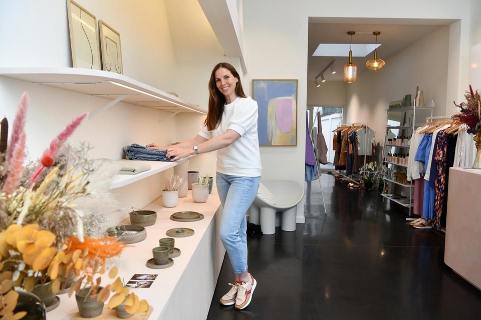 Femke Van den Bussche (36) in haar pas geopende conceptstore Femm. in de Statiestraat in Berchem.