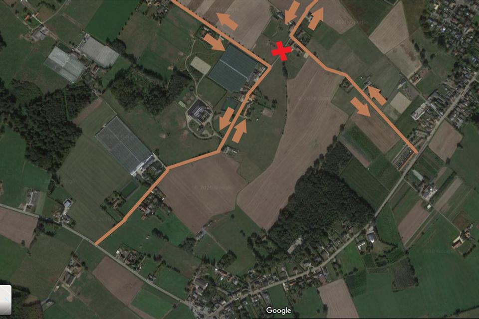 De tractorsluis komt tussen Bossen en de kleine Mechelbaan.