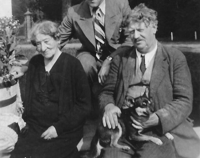 Valentine de Gilman de Zevenbergen met haar zoon Gaston.