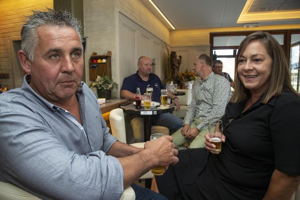 Marc en Nancy kijken al uit naar oktober wanneer de zilveren medailles van Wout in Lille gevierd worden.