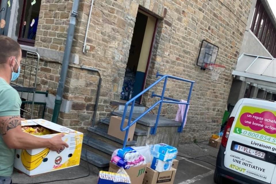 Er wordt in Niel ook nog altijd doorgegaan met het verstrekken van materiële hulp. Woensdag vertrokken Caro Deckers en Giovanni Brugghemans voor een zevende rit richting Pepinster.