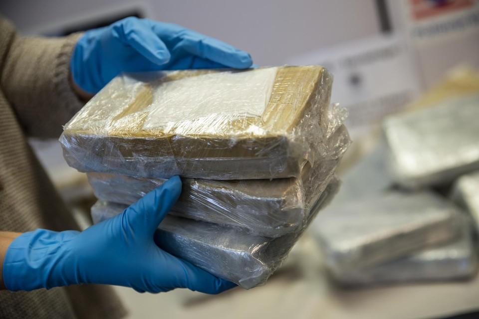 Het onderzoek startte toen er in Mauritanië zeshonderd kilogram gesmokkelde cocaïne werd aangetroffen.
