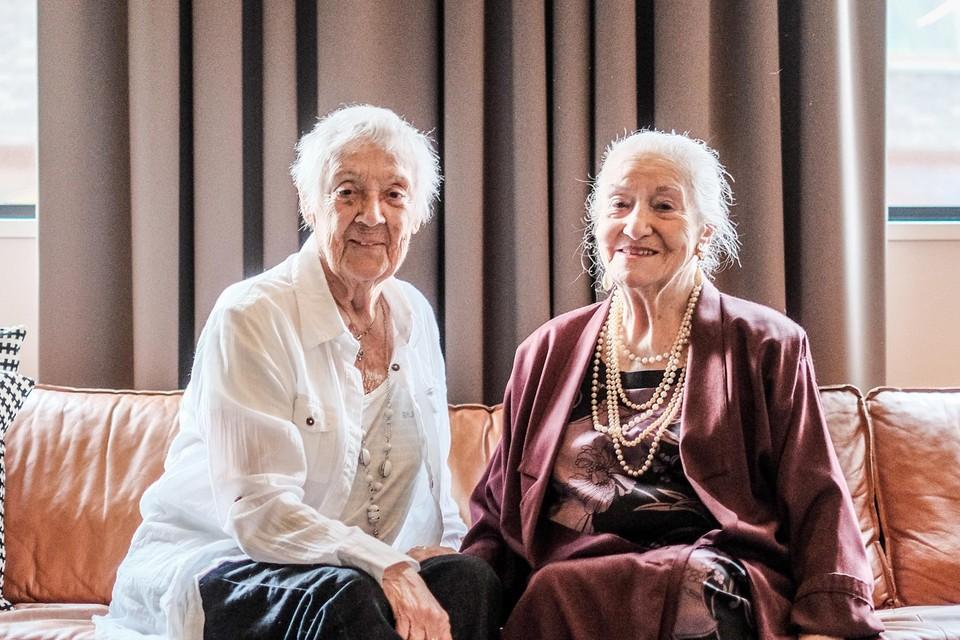 Hortense Champagne (rechts) met Jo Leemans tijdens een interview voor Radio Opsinsjoor in 2016.