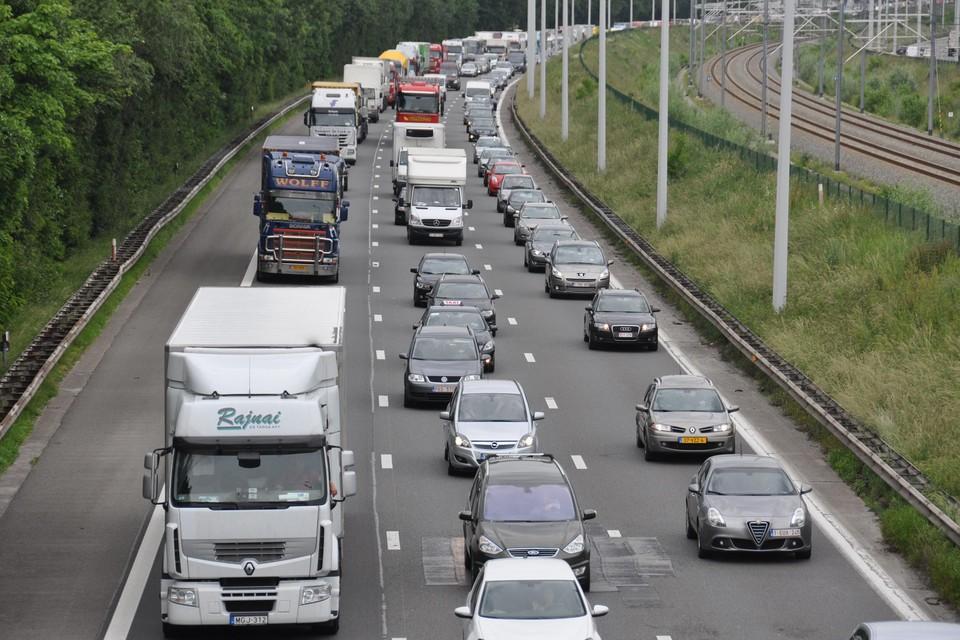 Het verkeer op de E19 en de N16 bezorgt de inwoners van Battel heel wat geluidsoverlast.