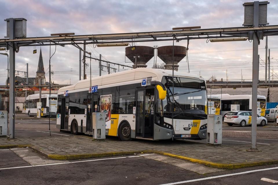 De stelplaats van De Lijn in Zurenborg verhuist in 2022 naar de luchthaven van Deurne.