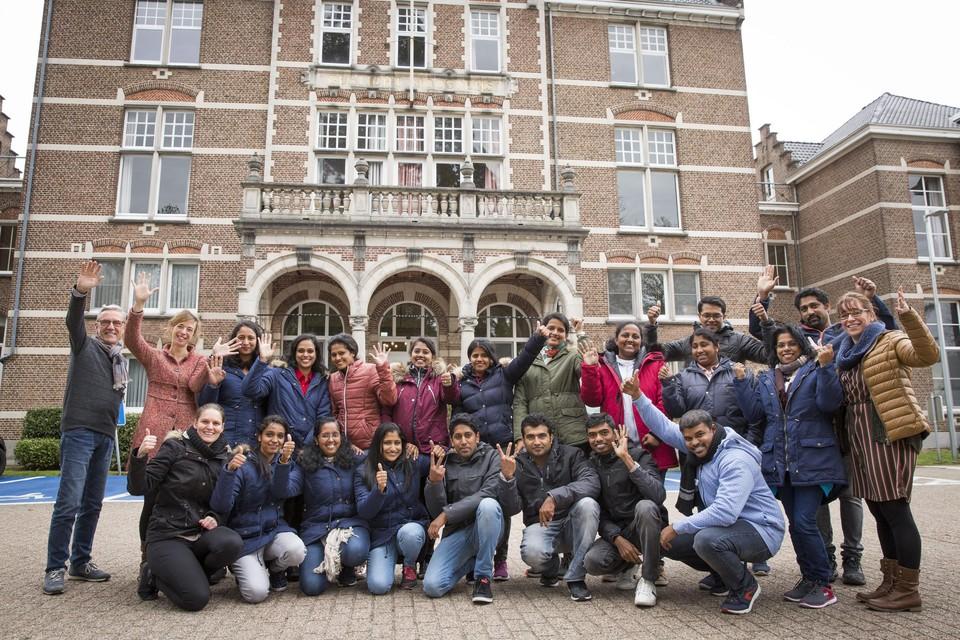 Deze enthousiaste groep Indische studenten startte twee jaar geleden een opleiding Verpleegkunde aan Hivset Turnhout.