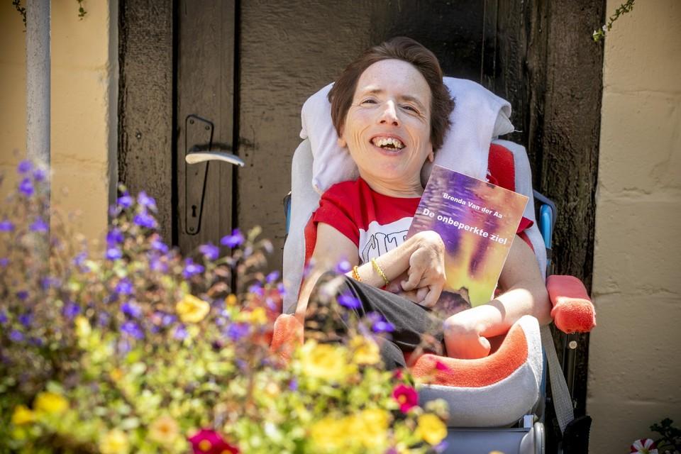 Brenda met haar boek