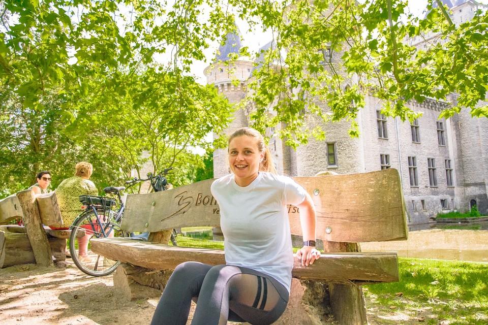 Om mensen te stimuleren meer te gaan bewegen en gezonder te leven, organiseert Lauren elke dinsdag een .