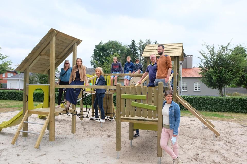 De vernieuwde speeltuin aan de Meidoornlaan.