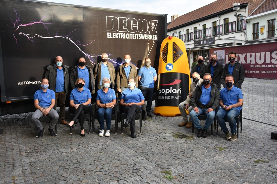 Het bestuur van Cycling Klein-Brabant bij de Safety Totem.