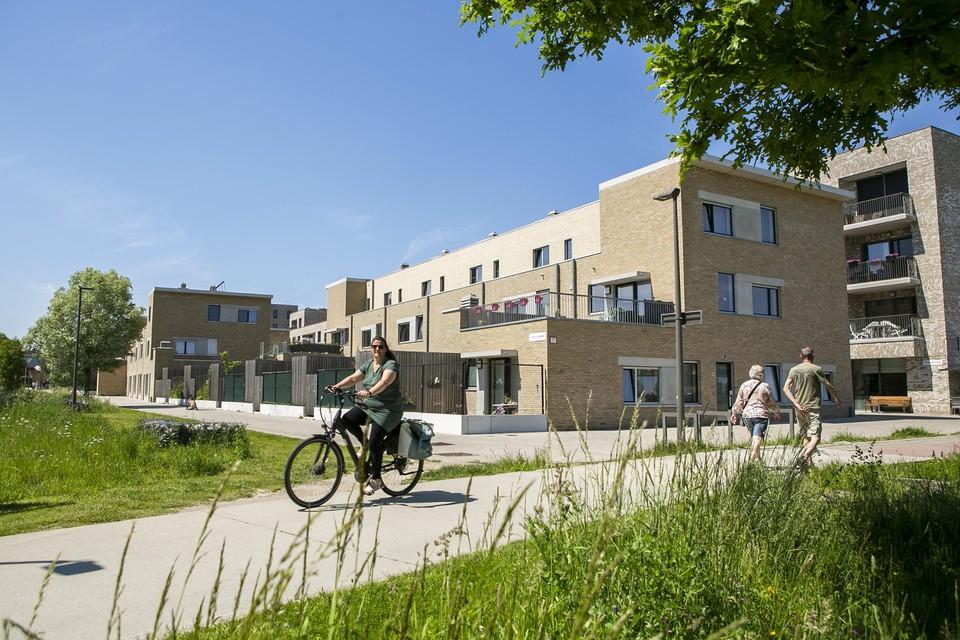 De wijk geeft uit op het Park Van Eden, waar stevig wat wandelaars en fietsers langskomen.