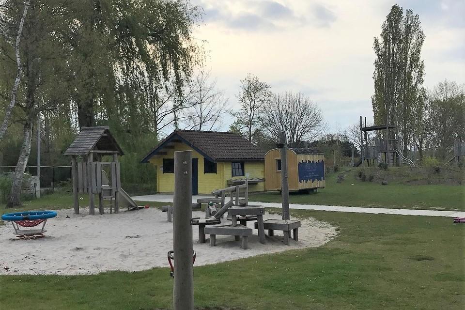 Het gemeentelijk speelterrein in Berlaar is opnieuw geopend nadat drie jongeren er vandalenstreken uithaalden.
