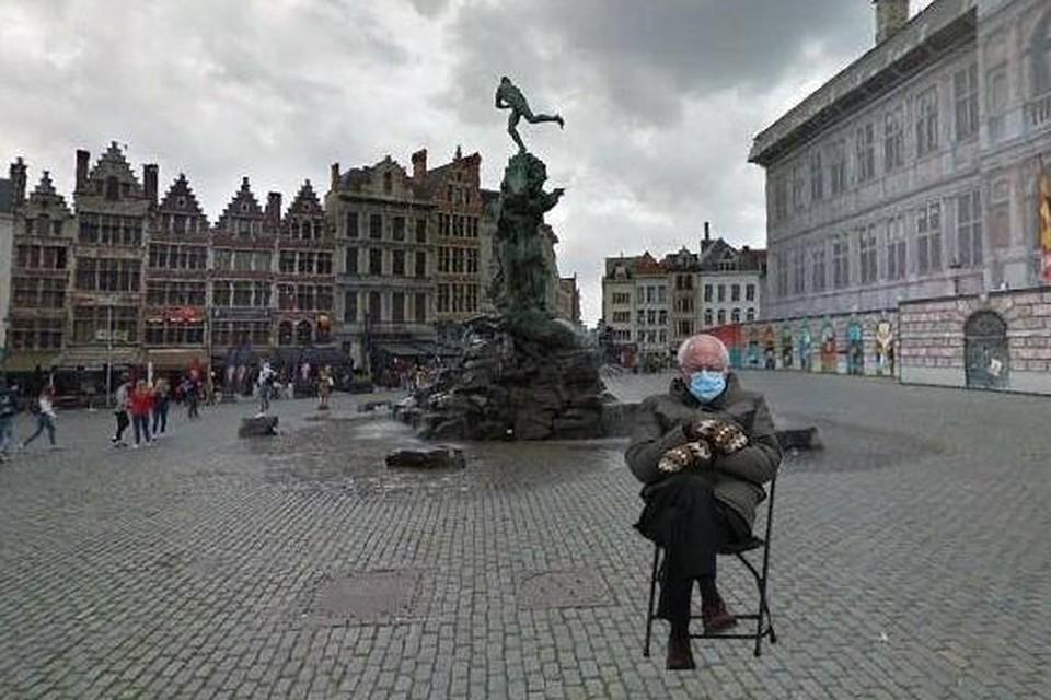 Bernie Sanders voor het Antwerpse stadhuis via de online tool.
