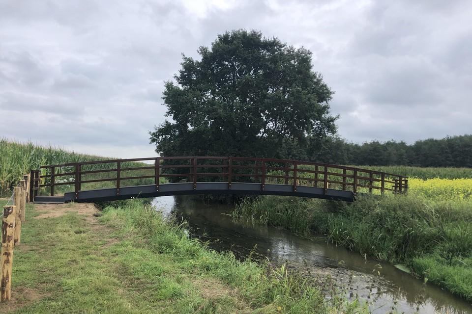 Via het bruggetje kan je heen en weer van Herentals naar Vorselaar wandelen.