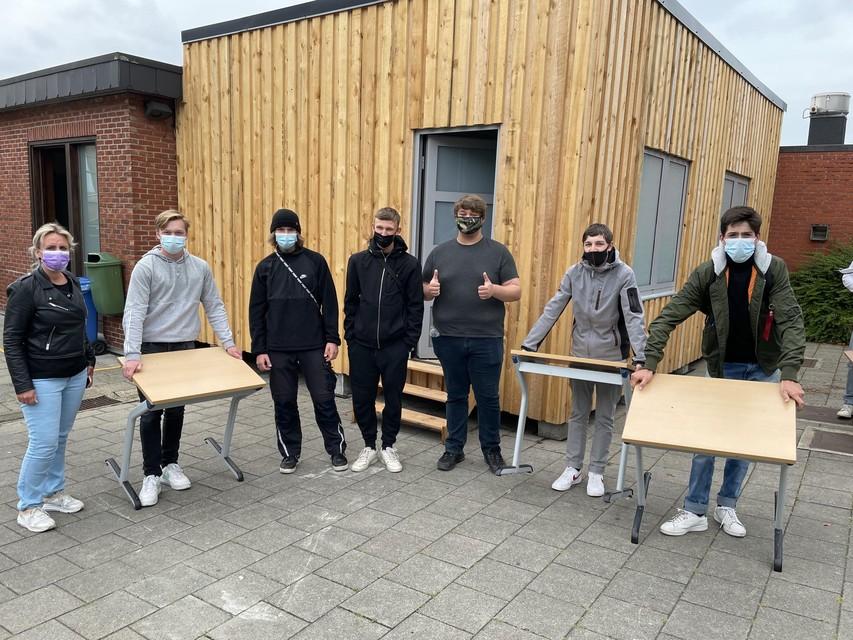 Vanaf volgend schooljaar krijgt een aantal leerlingen les in een houtskeletbouw die de afdeling hout zelf neerzette.