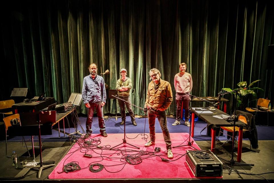 Wim Jammaer, Geert Breës, Marcel Vanthilt en Christophe Kenis van Cinema Rix.