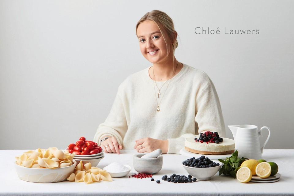 'Chloé kookt' is het eerste kookboek van studente en foodbloggerChloé Lauwers.