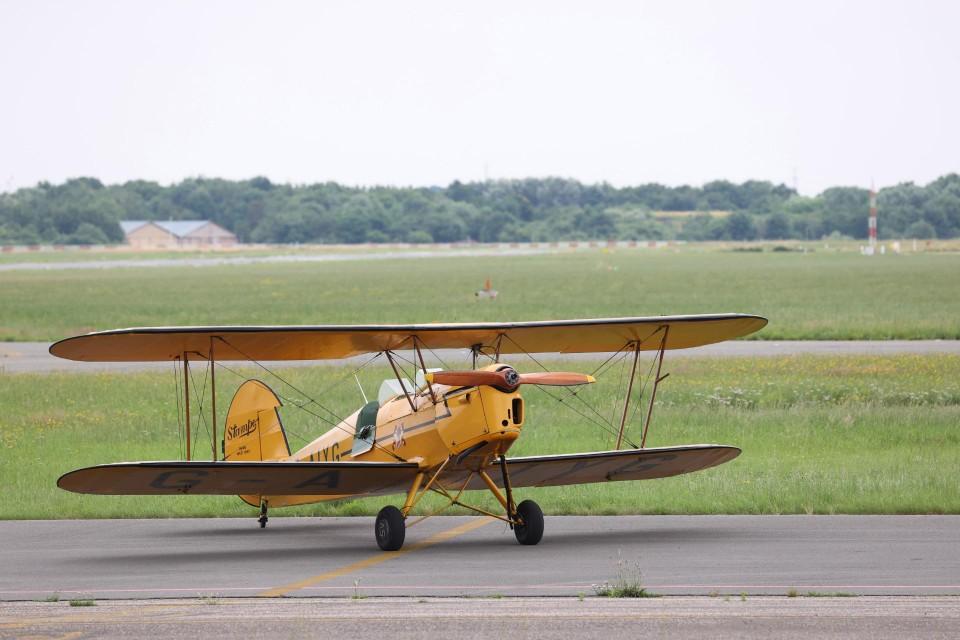 Het vliegtuigje in betere tijden tijdens herdenkingsvlucht van juli 2021.