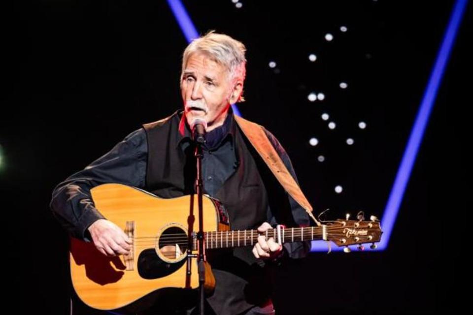 "Robin Fowley brengt Bob Dylan in : ""Ik voel me even goed dichter als muzikant."""
