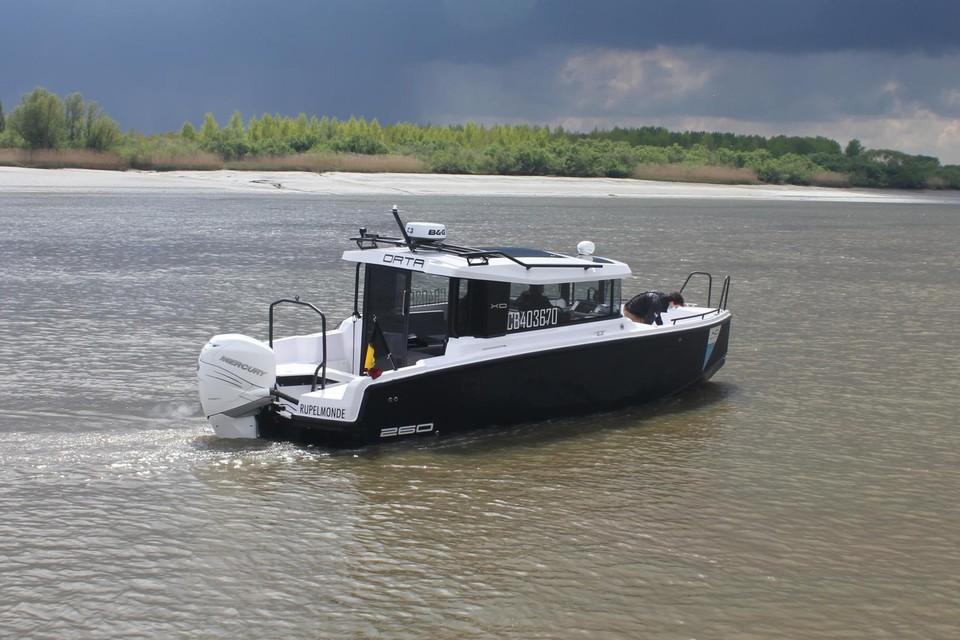 Sinds vrijdag vaart de Waterlimo uit, een nieuw vervoersmiddel tussen Temse en Antwerpen.