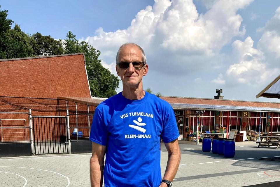 Réno Martens (69) is een geoefend wandelaar.