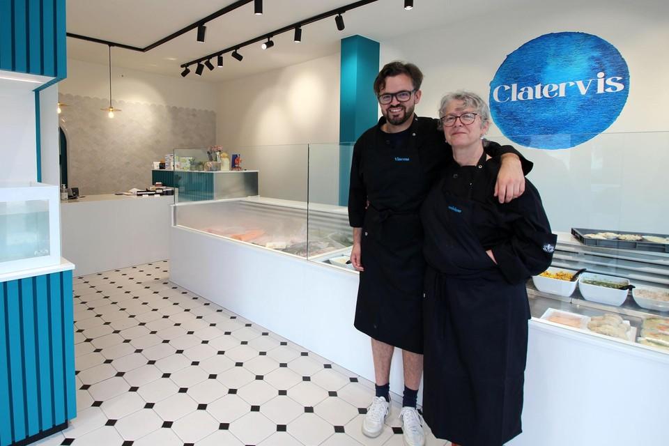 Vincent en Dominique zijn trots op hun nieuwe viswinkel.