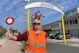 thumbnail: Sonja Hendrickx is al meer dan twintig jaar gemachtigd opzichter. Meestal vind je haar terug op de Heiststeenweg in Beerzel.