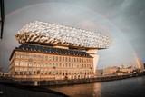 thumbnail: De regenboog was ook aan het Havenhuis goed te zien.
