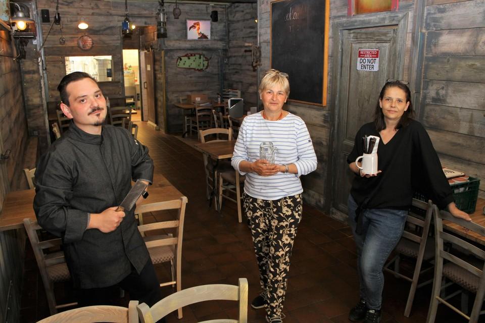 Wodan Min, Inge Raats en Dolores Loredo-Diaz kozen voor een interieur met veel hout.