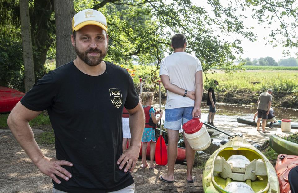 Nick Smets van de Ark van Noë ziet donderdagvoormiddag al zijn kano's voor 150 mensen vertrekken.