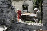 thumbnail: Archiefbeeld van de gevolgen van gevechten tussen het leger en de rebellen in de stad Slavjansk, in de regio Donetsk