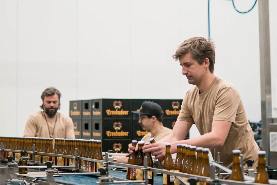 Nick, Ignace en Wim laadden zelf 600 bakken Fusee in.