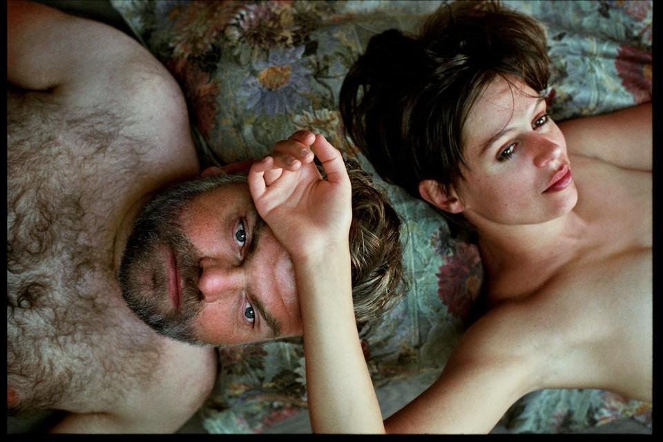 Acteur Stefaan Degand speelt het theaterstuk samen met actrice Elien Hanselaer.