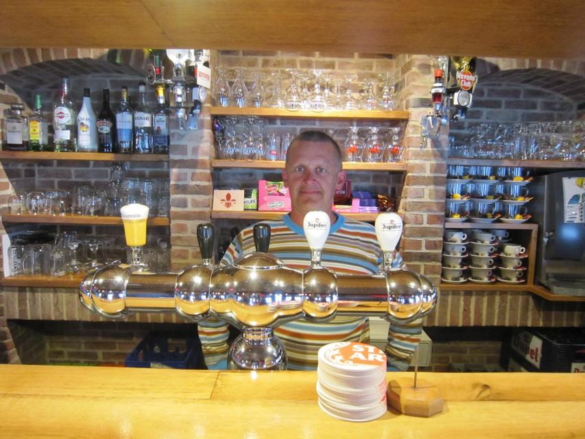 Danny Kesselaers staat al 21 jaar achter de toog in Het Anker.