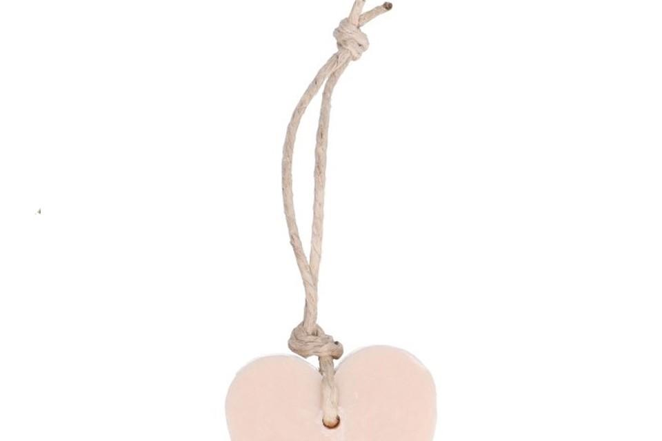 <P>Samen handen wassen met een kleinigheidje, dat aantoont dat je Valentijn niet vergeten was?, Dille & Kamille, 4,95 euro</P>