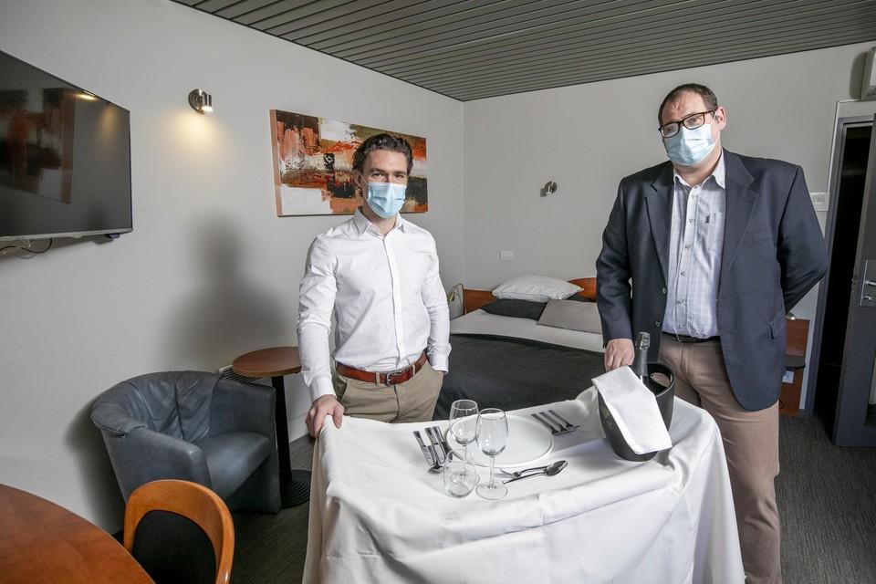 Hotelier Jorn Wittevrongel en maître Kristof Raets slaan de handen culinair in elkaar.