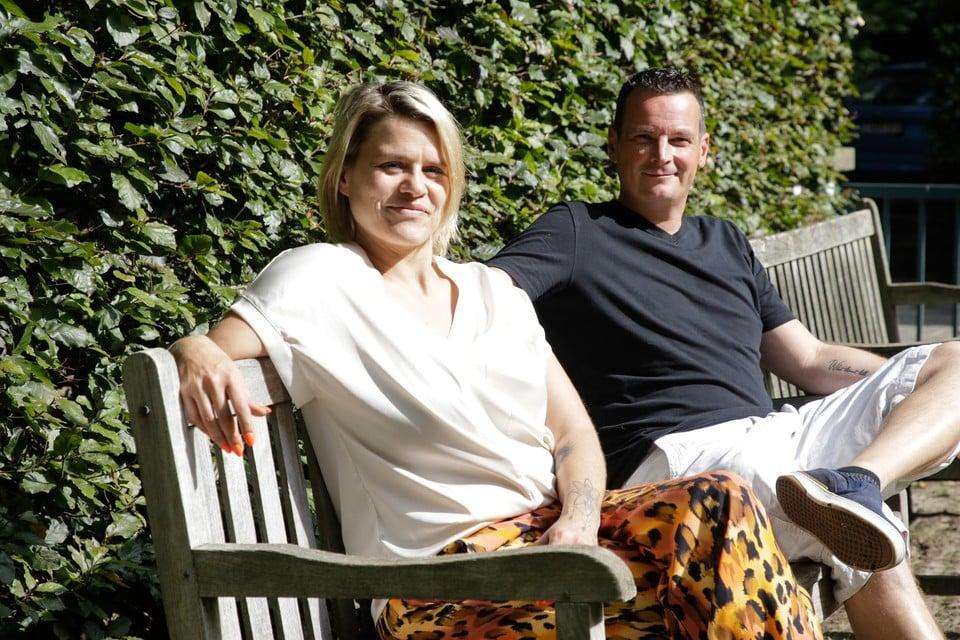 """Stefanie Antonissen en Koen Maes: """"Het is zonde dat de ziekteverzekering in België geen zes weken in rehab terugbetaalt. Een opname van een maand in de psychiatrie kost de maatschappij ook 10.000 euro."""""""
