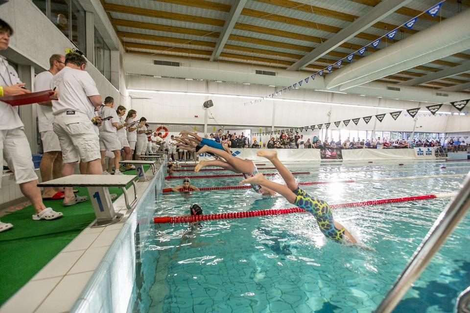 Plonsen in het Nijlense zwembad: het kan weer vanaf maandag 2 augustus.