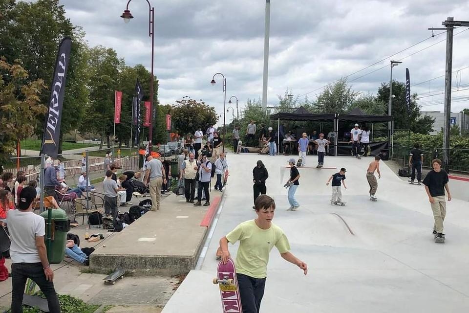 Veel skaters ontdekten het vernieuwde skatepark.